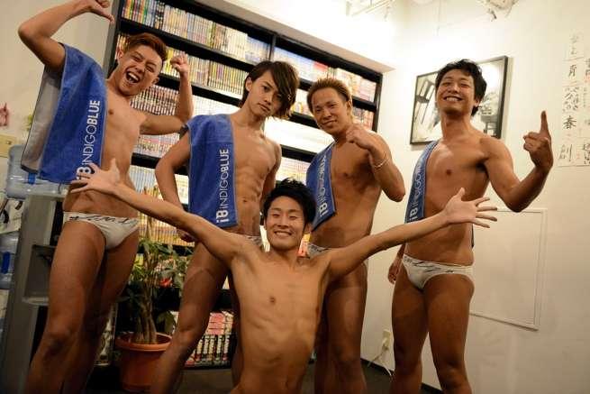 ハダカの男のエンターテインメント。シンクロ集団「iNDIGO BLUE」との出会い