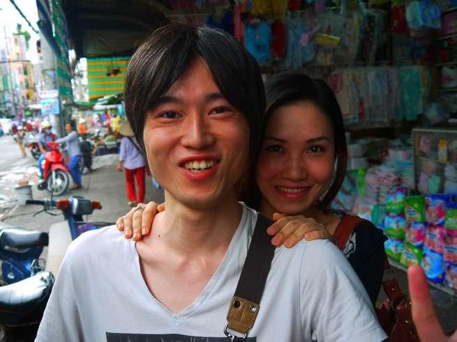 石塚君と彼の両肩を持つthyちゃん。