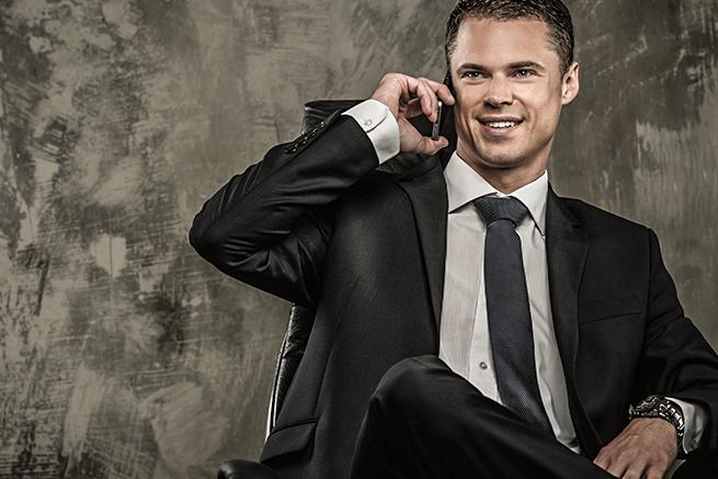 知らないと恥ずかしい社会人の電話対応では必須のビジネスマナー15選【総復習】