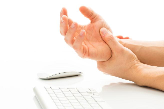 タイピング・マウス操作の腱鞘炎の症状に効く8つの部位別ストレッチとツボ押し方法