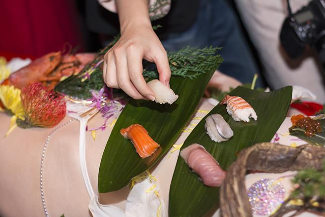 お寿司とる