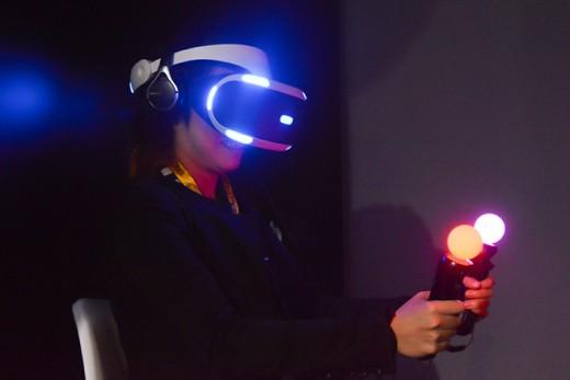 仮想現実を体感せよ!いま注目のVRソフトウェア&ガジェット9選のアイキャッチ