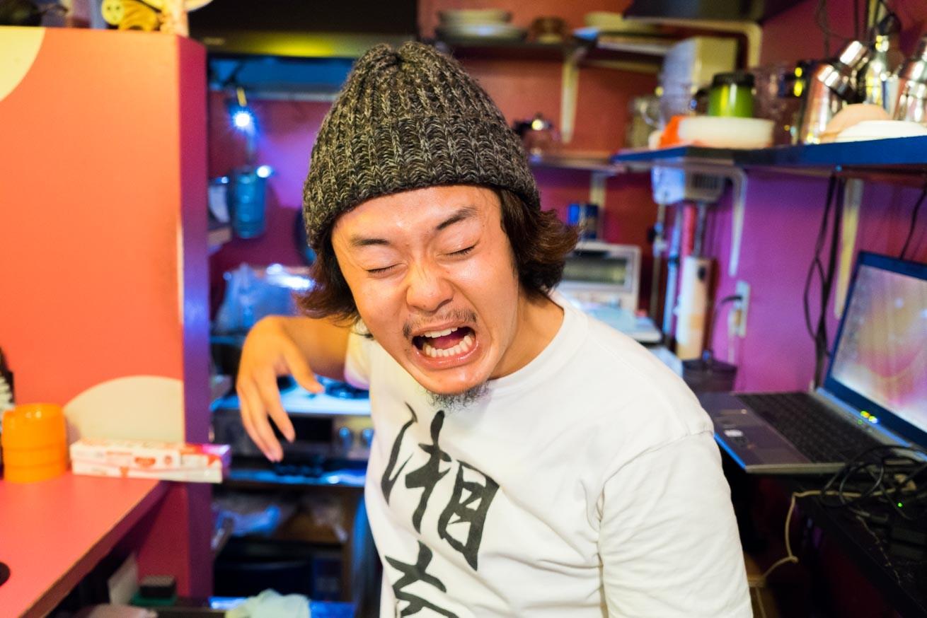 288223広島県流川通りにある隠れ家的BAR「 NEW KING」でバーテンダーをしました。のアイキャッチ